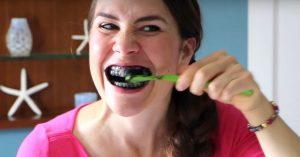 مسواک با ذغال - کلینیک دندانپزشکی کادوس